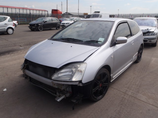 HONDA CIVIC TYPE R 2000 CC PETROL 3 DOOR 6 SPEED MANUAL BREAKING SPARES NOT SALVAGE 2002