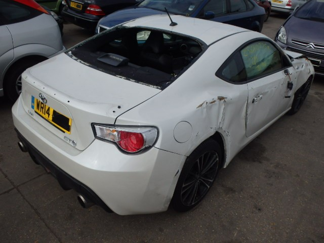 toyota gt86 2000 cc d 4s white automatic turbo petrol. Black Bedroom Furniture Sets. Home Design Ideas