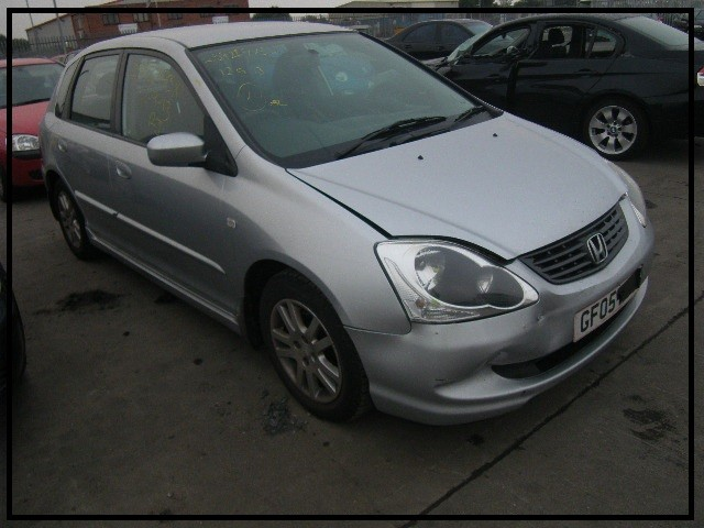 HONDA CIVIC SE 1600 CC SILVER BREAKING SPARES NOT SALVAGE 5 DOOR HATCHBACK 2005