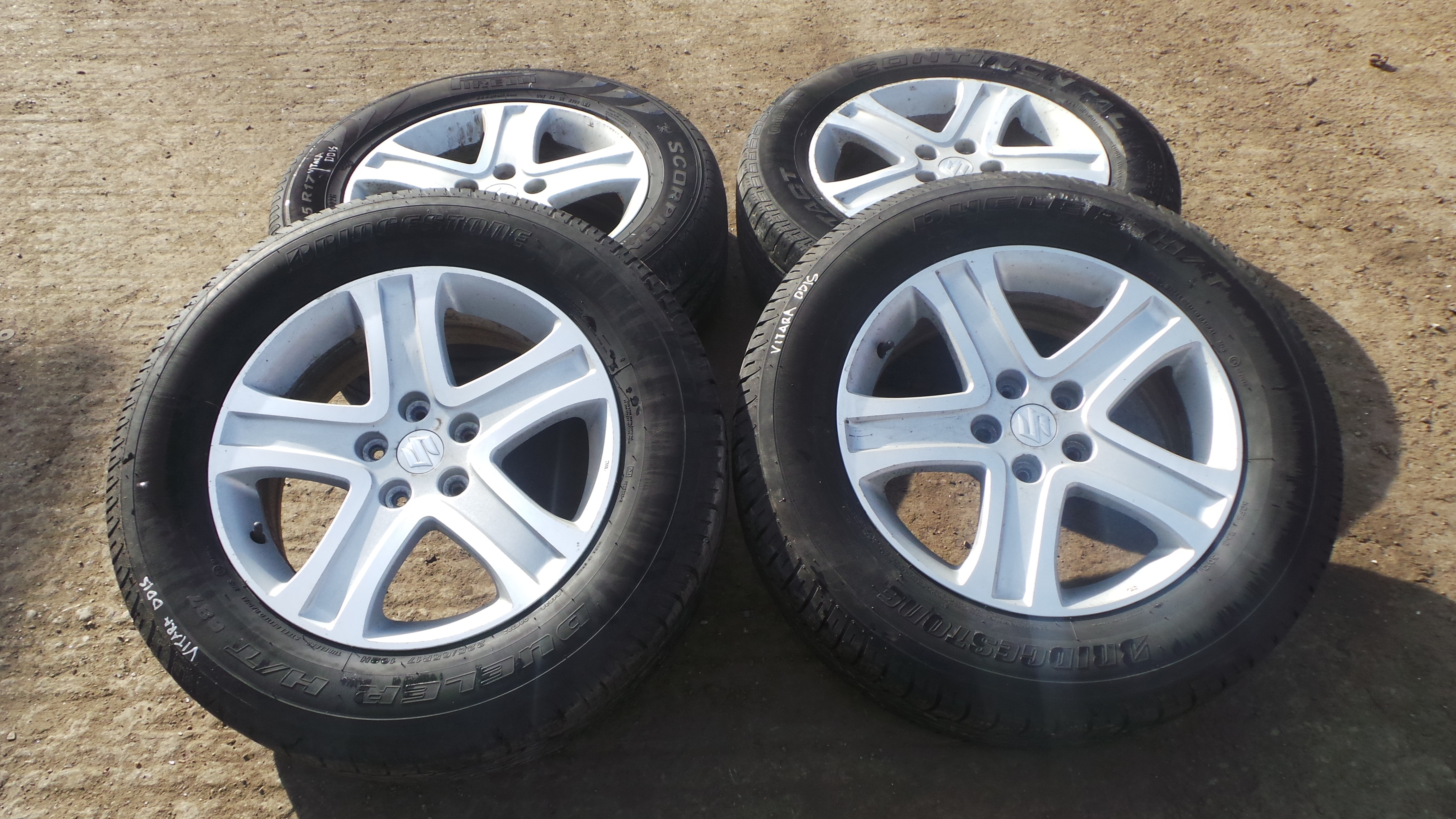 "SUZUKI GRAND VITARA 17"" ALLOY WHEELS WITH TYRES."