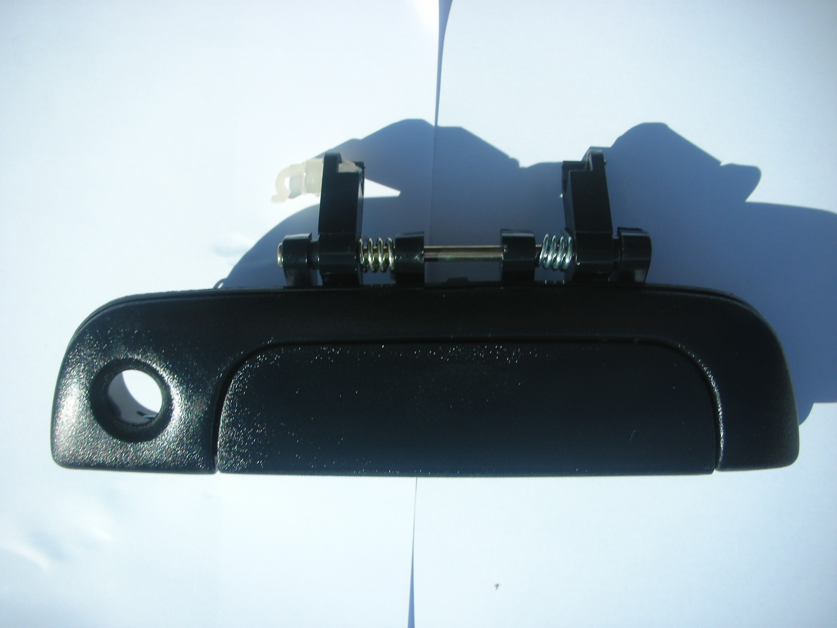 SUZUKI BALENO PASSENGER SIDE FRONT DOOR HANDLE 1995-2001.