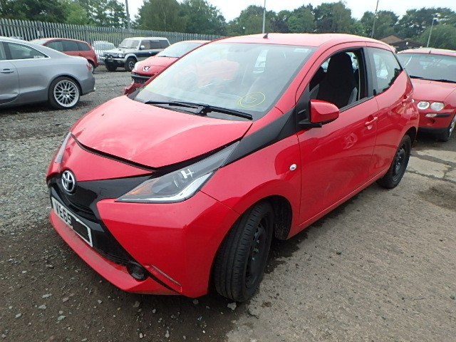 toyota aygo x play alloys airbags engine breaking spares white manual 1 0 petrol. Black Bedroom Furniture Sets. Home Design Ideas