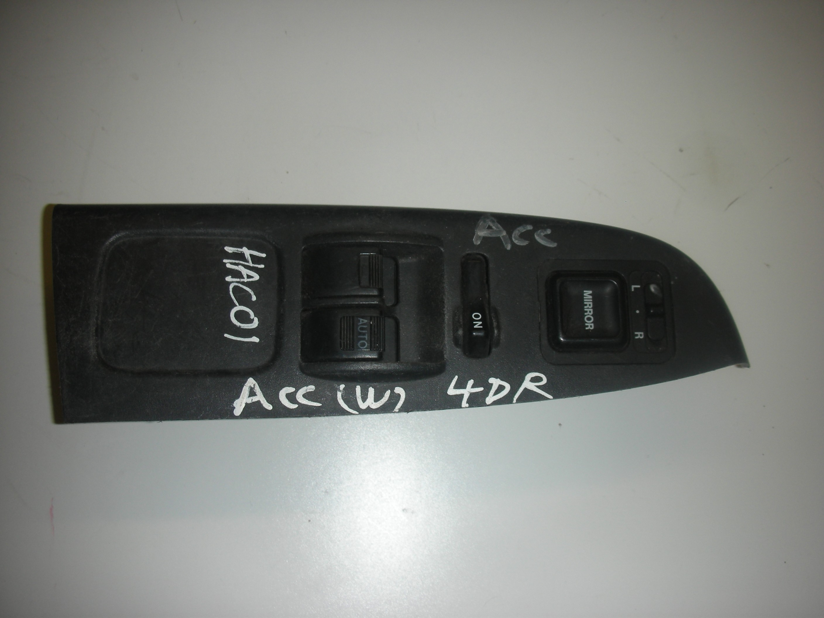 HONDA ACCORD DRIVER SIDE FRONT WINDOW SWITCHES 1998-2001.