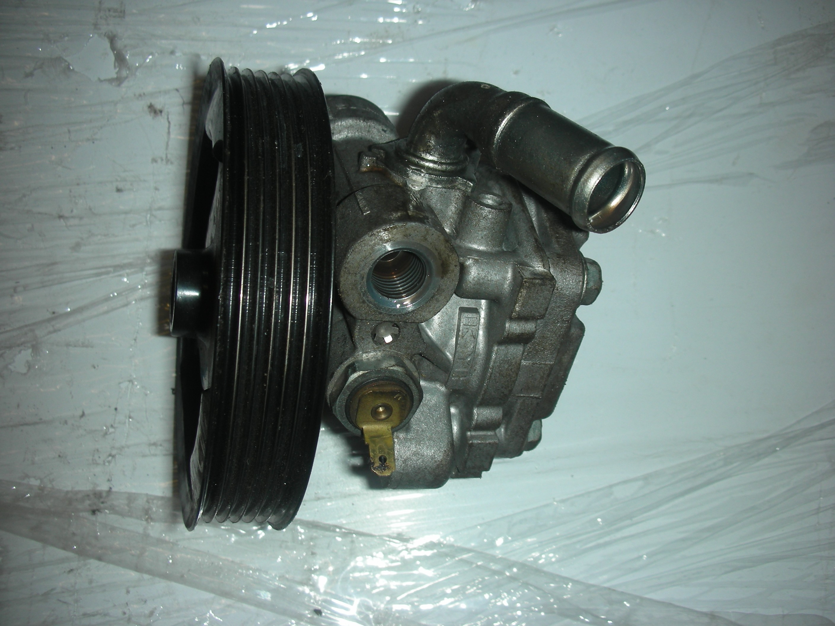 MAZDA 3 1600 CC PETROL POWER STEERING PUMP 2004-2009.