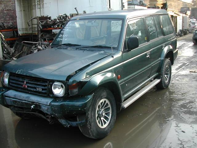 MITSUBISHI SHOGUN DiD 3200 2002 BLUE Automatic Turbo Diesel 5Door