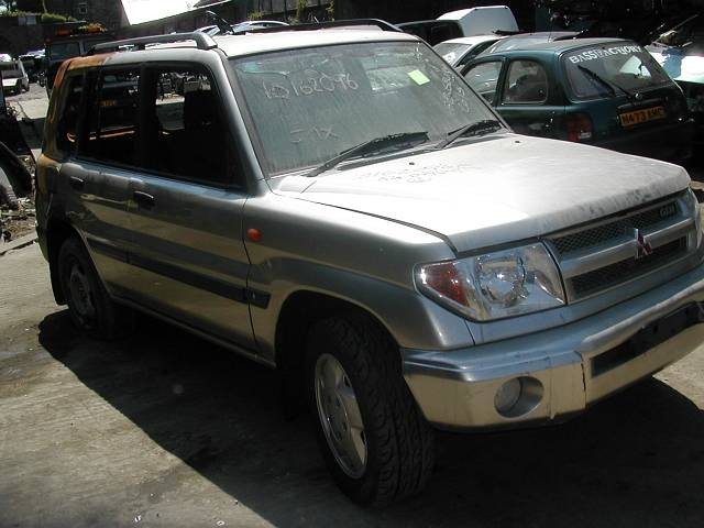 MITSUBISHI SHOGUN DiD 3200 2003 SILVER Manual Turbo Diesel 3Door