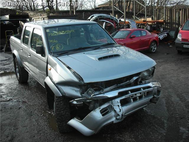 NISSAN NAVARA  2500 2003 SILVER - Turbo Diesel 4Door
