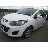 MAZDA 2 1300 CC TAMURA WHITE PETROL 5 DOOR HATCHBACK BREAKING SPARES PARTS 2013