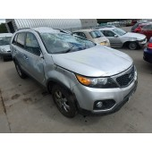 KIA SORENTO 2200 CC CRDI 6 SPEED SILVER MANUAL DIESEL BREAKING SPARES NOT SALVAGE 2012