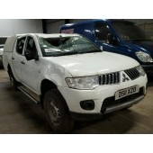 MITSUBISHI L200 4 LIFE  DID PICKUP 2500 CC WHITE DIESEL 5 SPEED MANUAL 2011