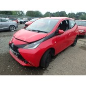 TOYOTA AYGO X-PLAY VVTi 1000 CC 5 SPEED MANUAL 5 DOOR RED HATCHBACK BREAKING SPARES NOT SALVAGE 2015